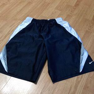 Nike Boys athletic Shorts Size (14-16) Large
